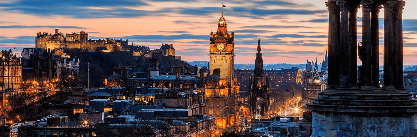 Sleep well in Scotland's capital with one of our trusted accommodation partners, let us take care of all the details so you can relax!