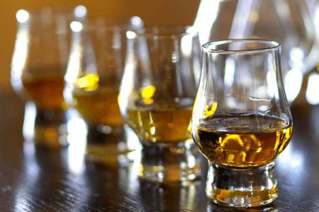 WhiskyTasting_BannerImage_Responsive_GreatAwayDays.png